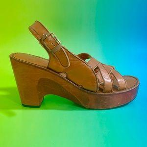 Vintage 70s wooden platform sandals 7.5/8